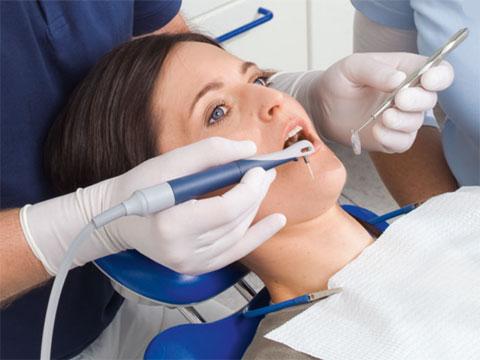 Процесс чистки зубов на аппарата Вектор в Днепре третий этап